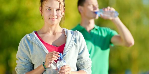 Pararse a beber durante running